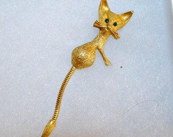 Darling Vintage 60's Cat Lapel Pin Brushed Gold Long Tail Emerald Green Rhinestone Eyes
