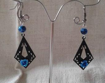 Earrings black and blue flower
