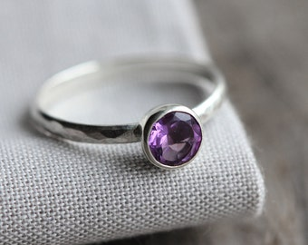 sparkling dark purple AA amethyst gemstone ring. sterling silver stacker. lavender faceted gem jewelry. stacking ring (grape juice. ring)