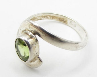 925 sterling silver - faceted peridot bypass solitaire ring sz 7 - r1223