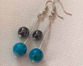 Dangling earrings marbled beads