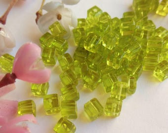 set of 20 green glass cube beads
