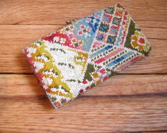 Vintage Clutch.  Colorful.