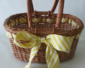 Vintage Mid-Century Woven Wicker Basket Handbag with Ribbon