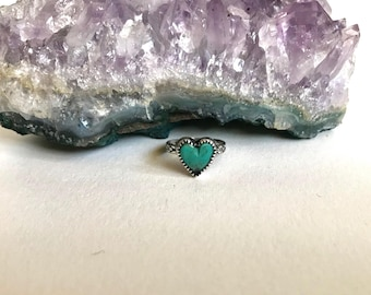 Turquoise heart & sterling silver ring.