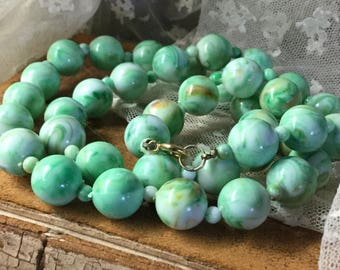 Fresh Pastel Green Lucite Bead Necklace Unsigned Single Strand 1960's 1970's Simple Design Day Casual Wear Round Beads Mottled Slag Finish