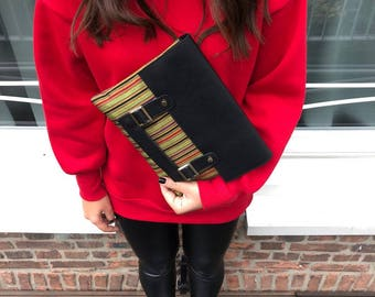 30% OFF - Green Black Red Leather Clutch I Reed