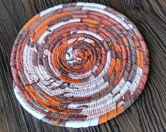 Coiled round mat