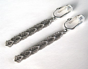 Silver Leaves Clip-on Earrings, Antiqued Silver Dangle Clipons, Oxidized Layered Leaves Clip Earrings, Lightweight Leaf Columns Silver
