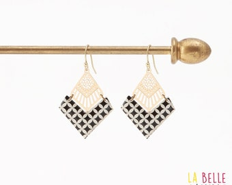 Diamond resin graphic black and white chevron earrings
