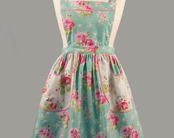 Vintage Style Apron/1940's Apron/Floral Apron/Green Apron/Apron With Pockets