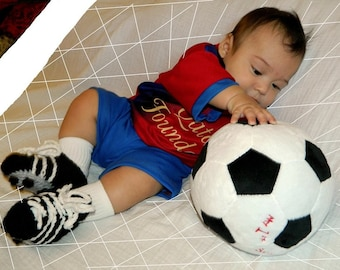 Crocheted soccer cleats for babies in four sizes