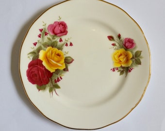 Vintage side butter plate display plate collectable Bone china Queen Anne C 476 Made in England shabby chic
