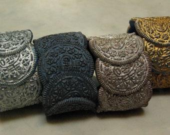 Oreo Cookie Bracelet