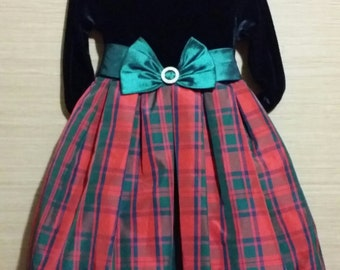 Free Shipping  ...    Little adorable girl red plaid vintage holiday dress of quality.