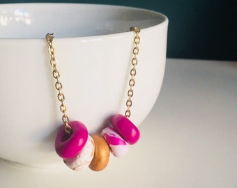 Polymer clay bead necklace pink and gold for women - Handmade in Montrea