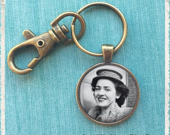 Personalized Photo Keychain, Custom Photo Keychain, Anniversary Gift, Long Distance Gift, Wedding Favor Gift, Key Chain, Key Holder