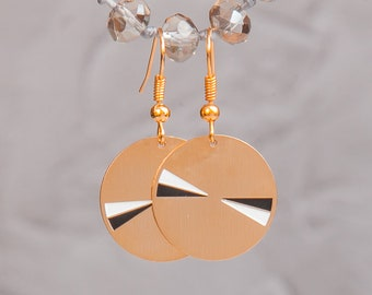 Everyday gold minimalist earrings, round earrings , gold disc earrings, classic gold earrings, round gold earrings