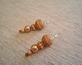 Earrings Africa Massai Beige Carved Wood