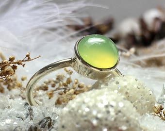 Delicate Sterling Silver Ring with green Chalcedony / gemstone ring / natural untreated stone
