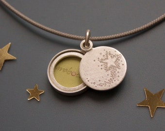 Small Picture - Locket , Sterling silver, shooting star, handmade locket for one picture, Shooting star locket