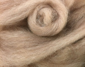 4 oz Beige, Romney / Alpaca Pin Drafted Roving Blend