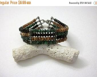 ON SALE Vintage Glass Beads BOHO Wire 7 1/2 Inch Bracelet 33017