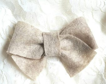 Cream/tan tied hairbow, classic tied hair bows, felt tied hair bow, hair bow, cream felt bow