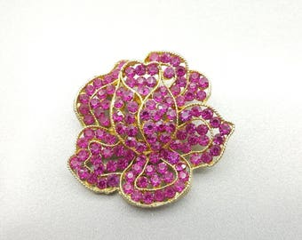 Weiss Bright Pink Flower brooch Floral gold tone