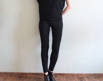 scoop-neck asymmetric sleeves top