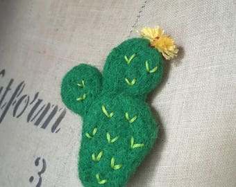 Needle Felted Cactus Cacti green brooch badge pin