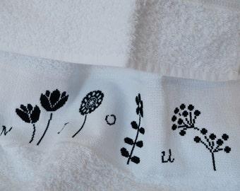 Towels cross stitch flowers