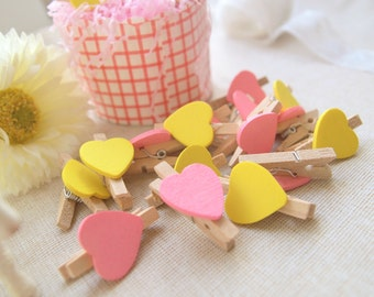 Clothespin of 10pcs pink and 10pcs yellow wood heart clothespins (Love collection)