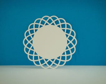 Round cut with border lace to create white drawing paper