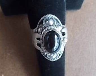 Vintage~Sterling Silver~Poison Ring~Pill Box~Locket~Snuff~Ring~Black Onyx~Stone~Ring with secret compartment~Taxco Mexico~925~Size~8~adj