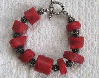 coral bracelet . chunky coral bracelet . 80s coral bracelet