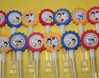 Snow White inspired Mini Bubble Wands birthday party favors - set of 15