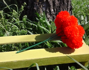 12 Red yarn pom pom flowers. Pom pom bouquet centerpieces. Wedding/ baby shower decorations. Home decor.