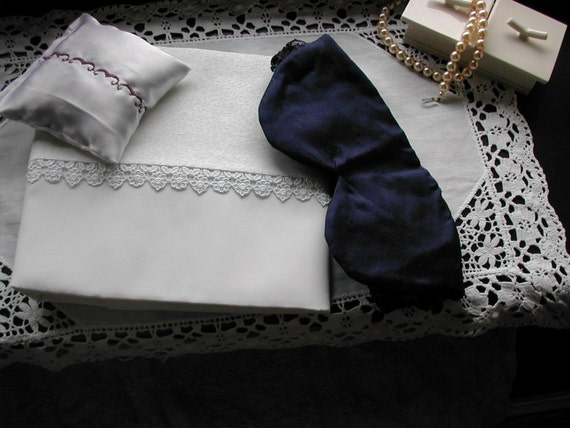 silk pillowcases (pair) sleep set, silk eyemask and lavender pillow sachet in one gift set.