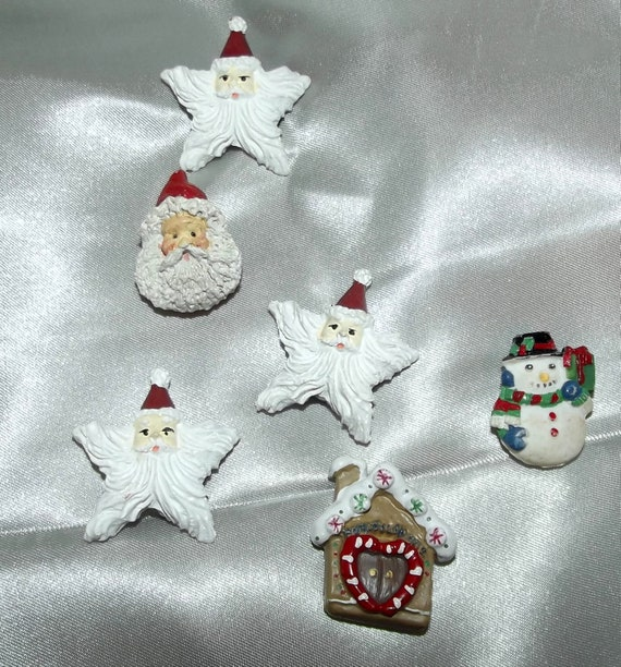 Puppy Bows ~ vintage resin Christmas button covers 6 santa claus gingerbread house snowman red/white