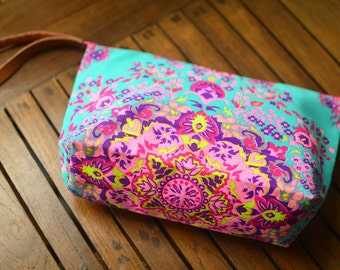 Makeup organizer bag \ Handbags \ Colorful bag \ Cosmetic.