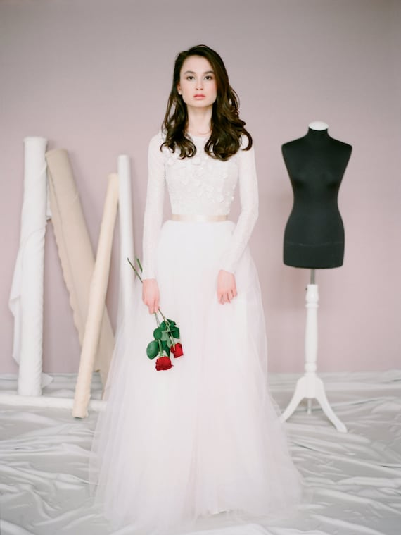 Boho long sleeve wedding dress amy simple tulle junglespirit