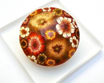 Brooch round Brown polymer clay flower