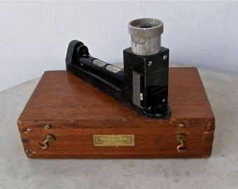 ENGLISH INCLINOMETER + CASE Original Wood Box Makers Mechanism Ltd Croydon 0-55 Degrees Double Vials Easy Action Type No M1017 W W Two 1940s