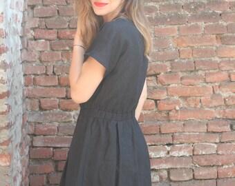 Soft linen dress. Linen dress with elastic waist. Soft linen dress with pockets.