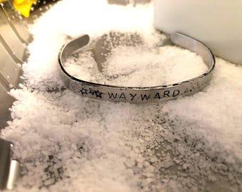 Wayward bracelet