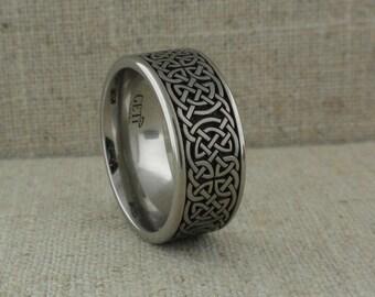 10 mm Celtic Knot Wedding Ring in Titanium