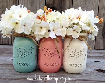 Painted Mason Jars. Vase. Vintage looking Painted Mason Jars. Pink/White/Shabby Blue. Painted Mason Jars. Wedding Decor. Country Decor.