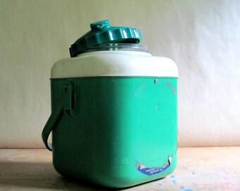 Retro Picnic Jug, Picnicware, Thermos, Insulated Beverage Container, Green Picnic Jug, Coffee Thermos, Camp Cabin Decor, Vintage Thermos