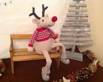 KIMI - Knitted Christmas Reindeer